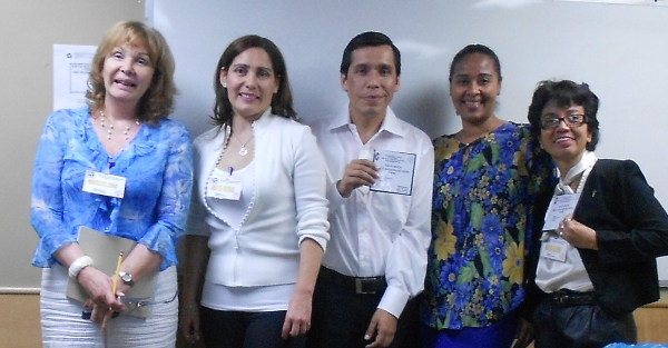UNESR: Ninoska Díaz de Mariña , Orietta Portales, Hernando  Pérez, Dorkis Shephard y Alicia Gómez